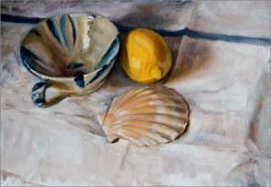 Чашка, ракушка и лимон